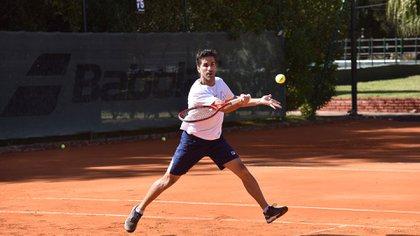 El Gobierno argentino el 19 de agosto del 2020 habilitó la práctica de deportes individuales como el tenis, el golf, remo, la equitación y el patinaje artístico, entre otros (Franco Fafasuli)