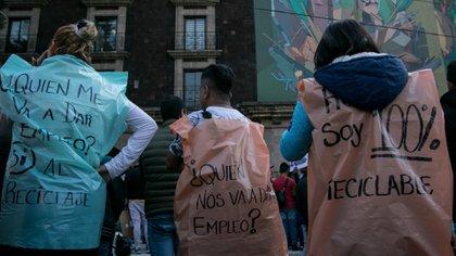 Tras la prohibición de bolsas de basura cientos de personas se quedaron sin empleo (Foto: Cuartoscuro/Archivo)