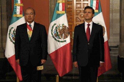Felipe Calderón (PAN) y Enrique Peña Nieto (PRI) en la toma de protesta del presidente 2012-2018 (Foto: Reuters)