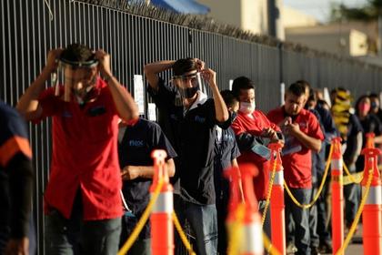 Fueron 3,295 empresas las que se dieron de baja en mayo, según cifras del IMSS (Foto: Reuters/José Luis González)