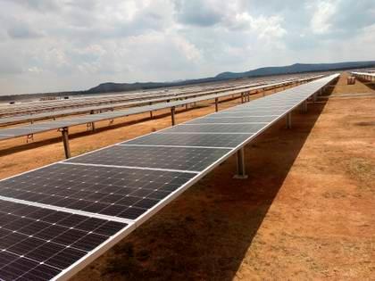 El plan del gobierno federal es mantener la participación de la CFE en un 54% de la generación de electricidad en el país, además de construir siete refinerías y plantas de gas (Foto: EFE/Ulises Andrade/Archivo)