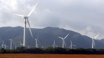 En el 2018, el presidente López Obrador canceló permisos que pretendían suministrar energía renovable dentro de la red nacional de electricidad (Foto: Cuartoscuro)
