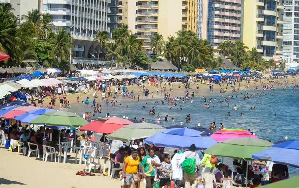 Abarrotan turistas playas mexicanas pese a pandemia | El Diario