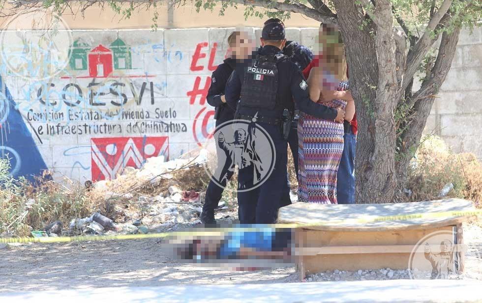 Asesinan a balazos a dos mujeres